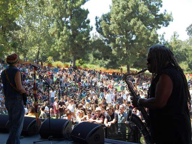 Jahmark & the Soulshakers - outdoors