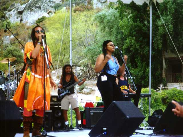 Jahmark & the Soulshakers - live outdoors
